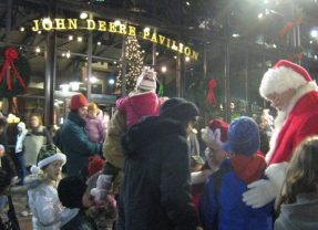 Lighting On The Commons Draws Thousands To Moline